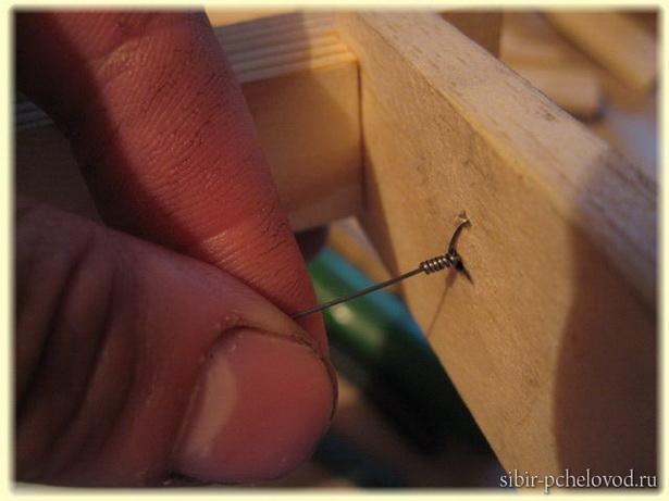 как натягивать каркас на рамки для улья